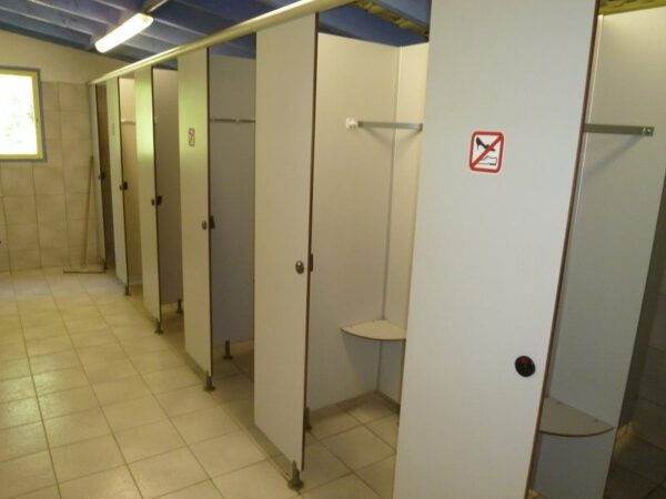 Sanitary facilities - Showers